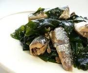 Wakame e peixes