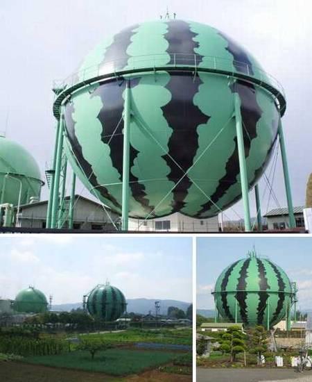 Reservatórios de Gás decorados no Japão