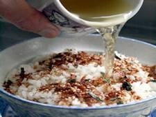 Ochazuke (Arroz branco e chá verde)