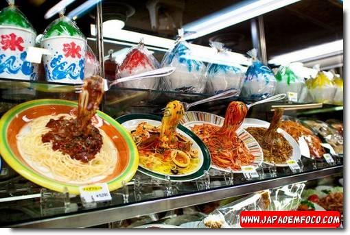 Modelos de comida realistas feitos de plástico no Japão1