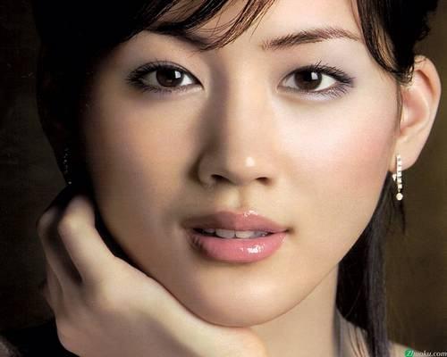 20 mulheres consideradas bonitas no Japão - Ayase Haruka