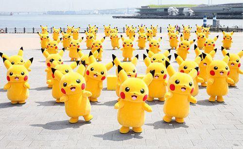 Exército de Pikachus em Minato Mirai