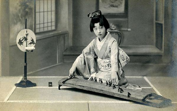 Instrumentos musicais japoneses - koto