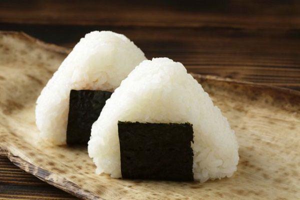 10 Fatos Sobre Onigiri, o Famoso Bolinho de Arroz Japonês