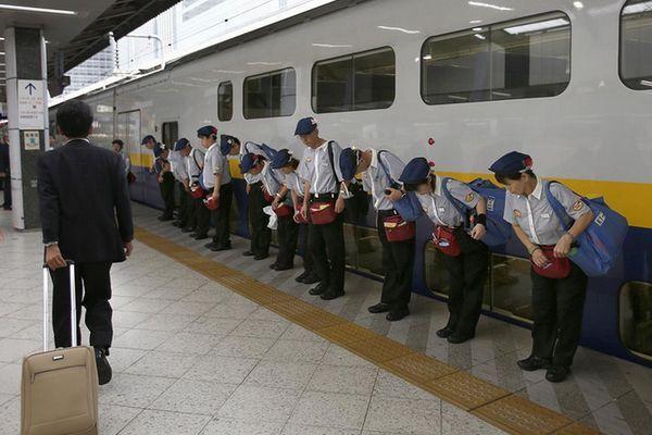 O Milagre dos 7 Minutos - Limpeza nos Shinkansen (Trem-bala japonês)