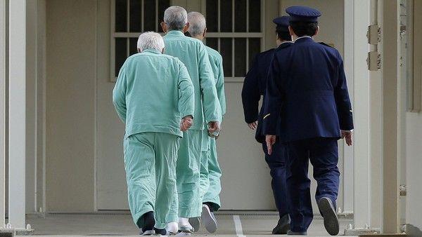 Prisões estão se transformando em lares de idosos no Japão