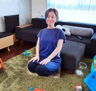Mãe japonesa cria um clone seu de papelão para lidar com a ansiedade do seu filho na sua ausência